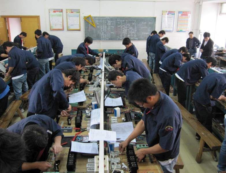 石家庄专业的电工培训学校维修装配电工培训班
