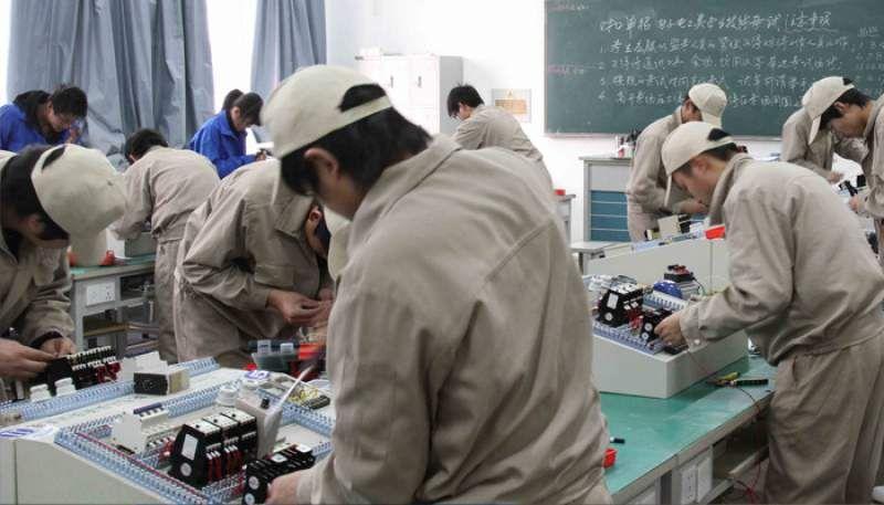 电工初级考试自动往返电路