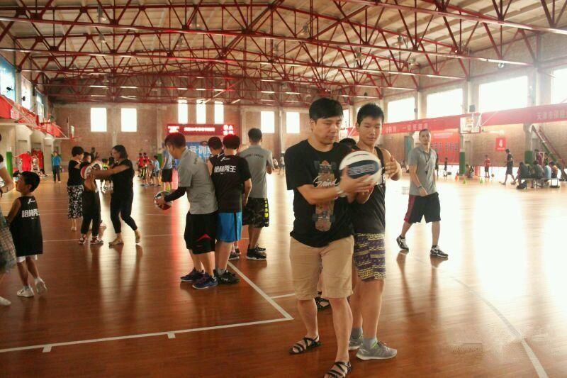 天津哈林秀王篮球培训学校
