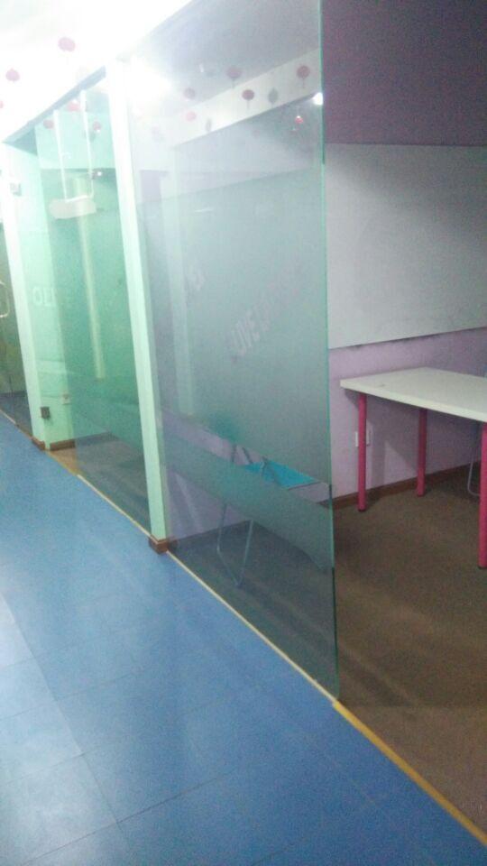 成都苗地英语学校
