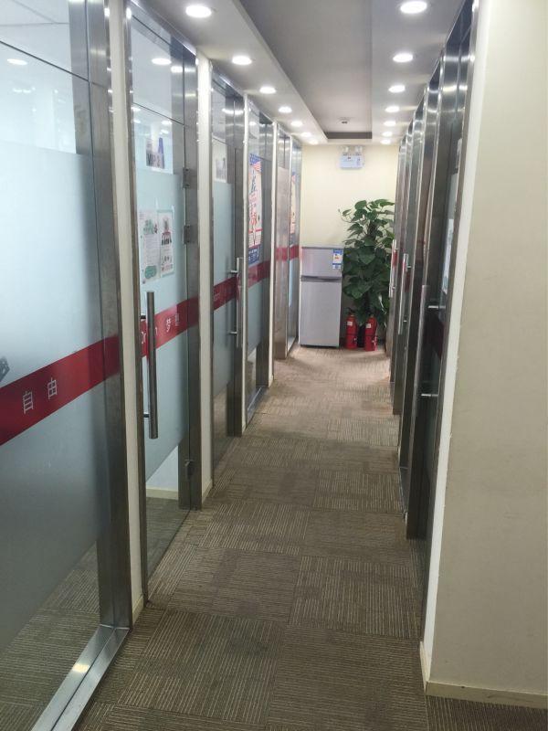 北京朗阁雅思培训学校 走廊