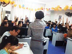 南宁天琥设计培训学校  师生互动