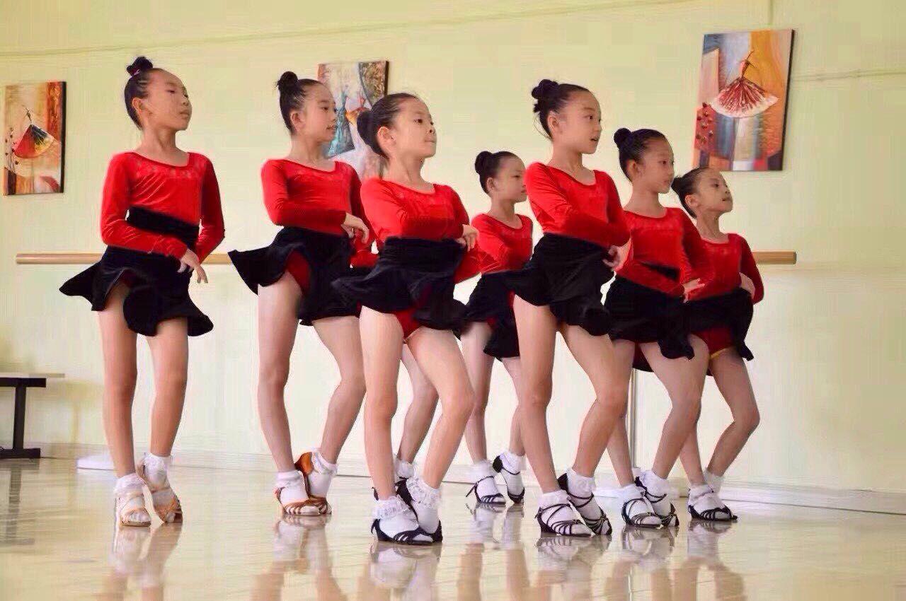 南康华翎舞蹈